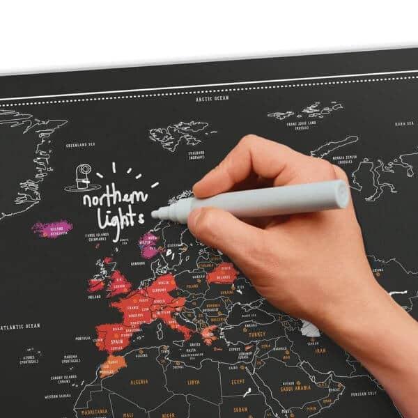 Cartina Mondo Gratta.12 Mappamondi Planisferi E Mappe Da Grattare E Personalizzare Sfizzy