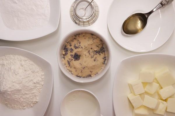 Biscotti-alla-lavanda-procedimento01