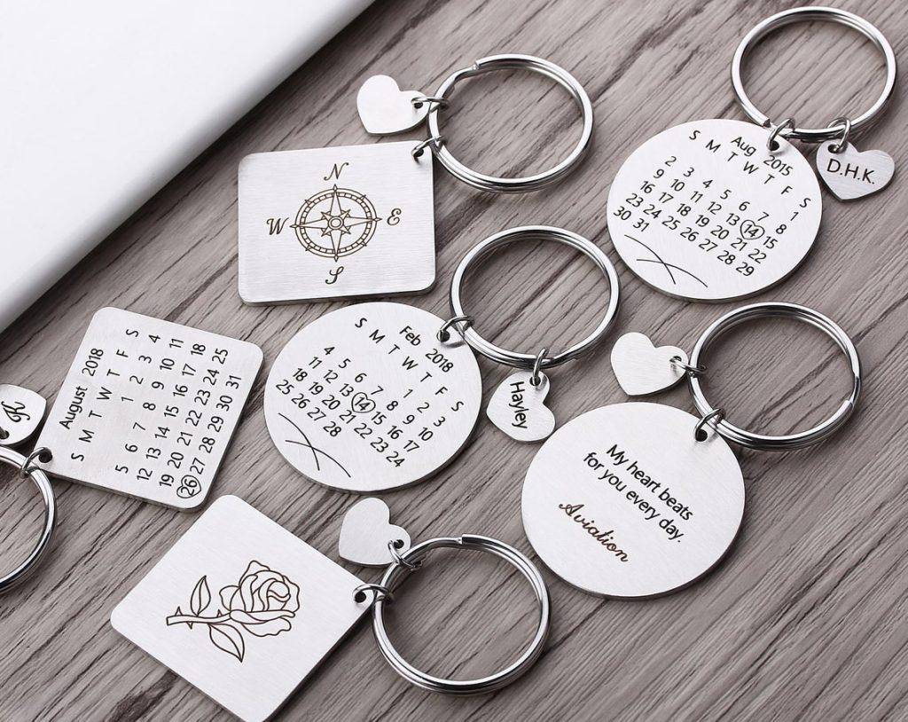 Portachiavi calendario personalizzati per San Valentino o Anniversario