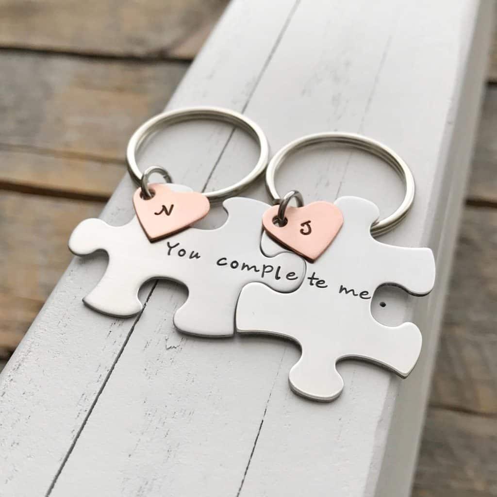 Portachiavi puzzle con medagliette a forma di cuore